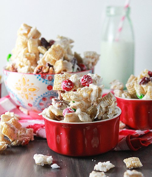 2012-12-10-christmas-chex-mix-10-580