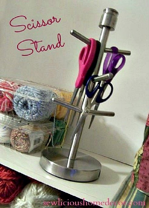 Scissor Stand feature