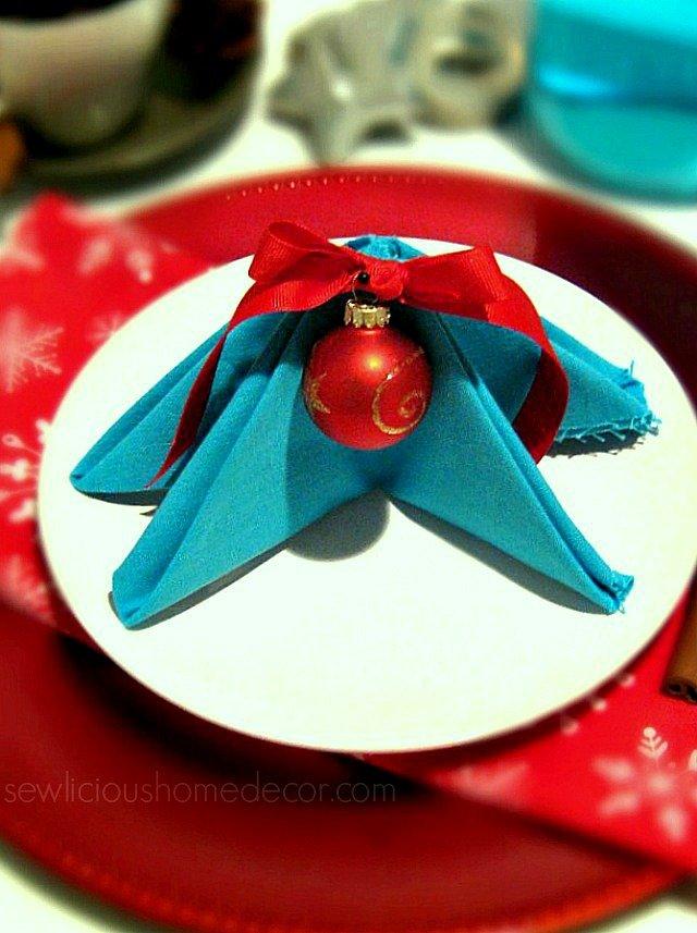 How to Christmas-Tree-Napkin-Tutorial- sewlicioushomedecor.com_