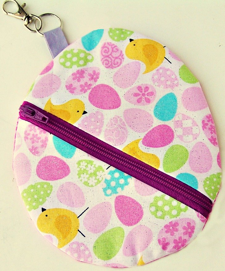 Easter Egg Pouch with key holder 2