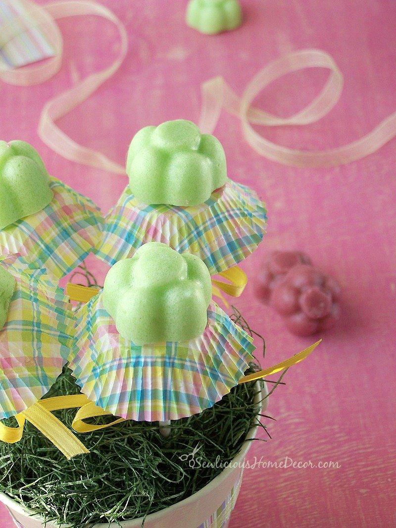 Coconut Oil Sugar Soap #Scrub at sewlicioushomedecor.com