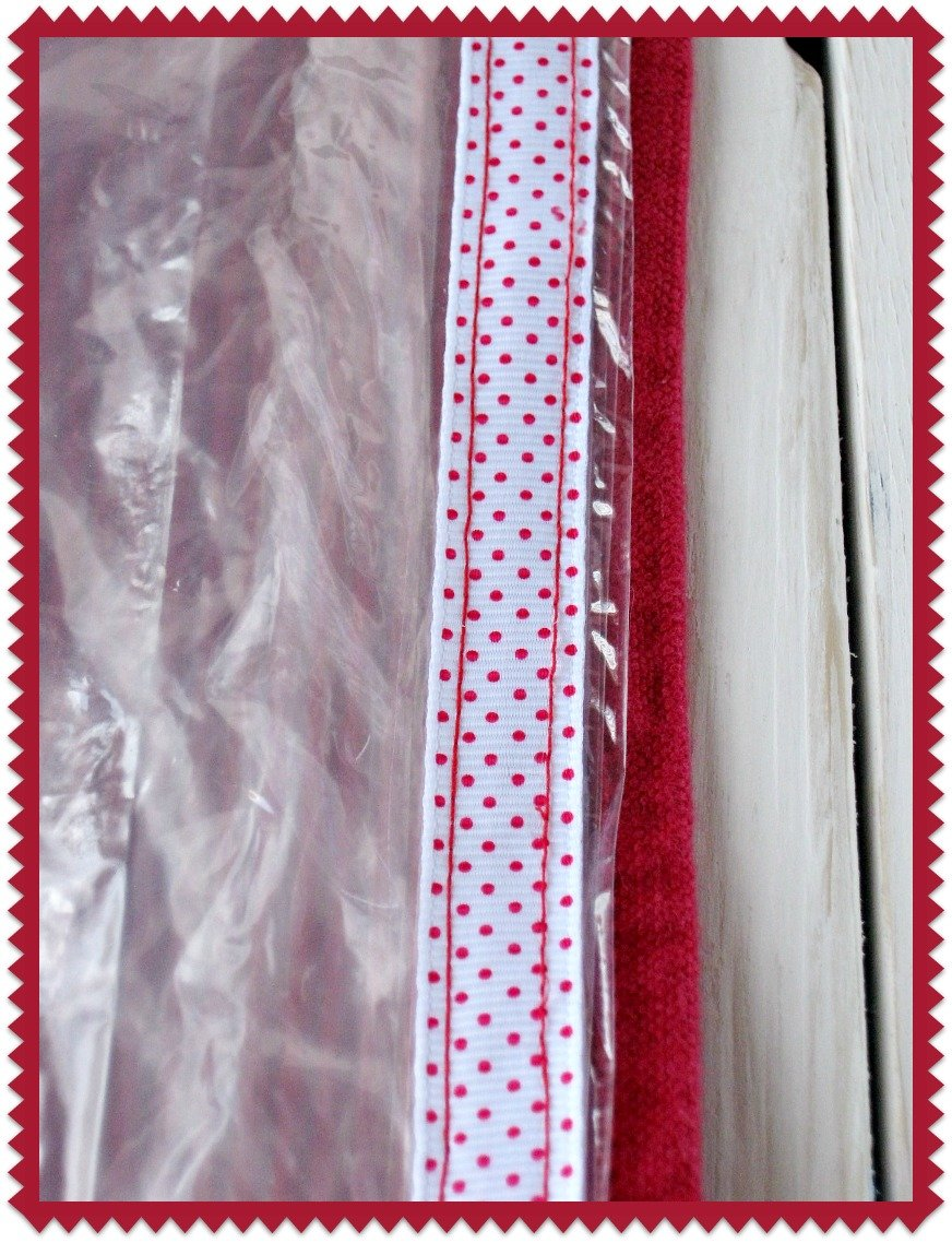 Sew ribbon over plastic baggies sewlicioushomedecor.com
