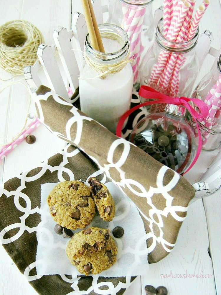 Chocolate Chip Oatmeal Cherry Cookies sewlicioushomedecor.com
