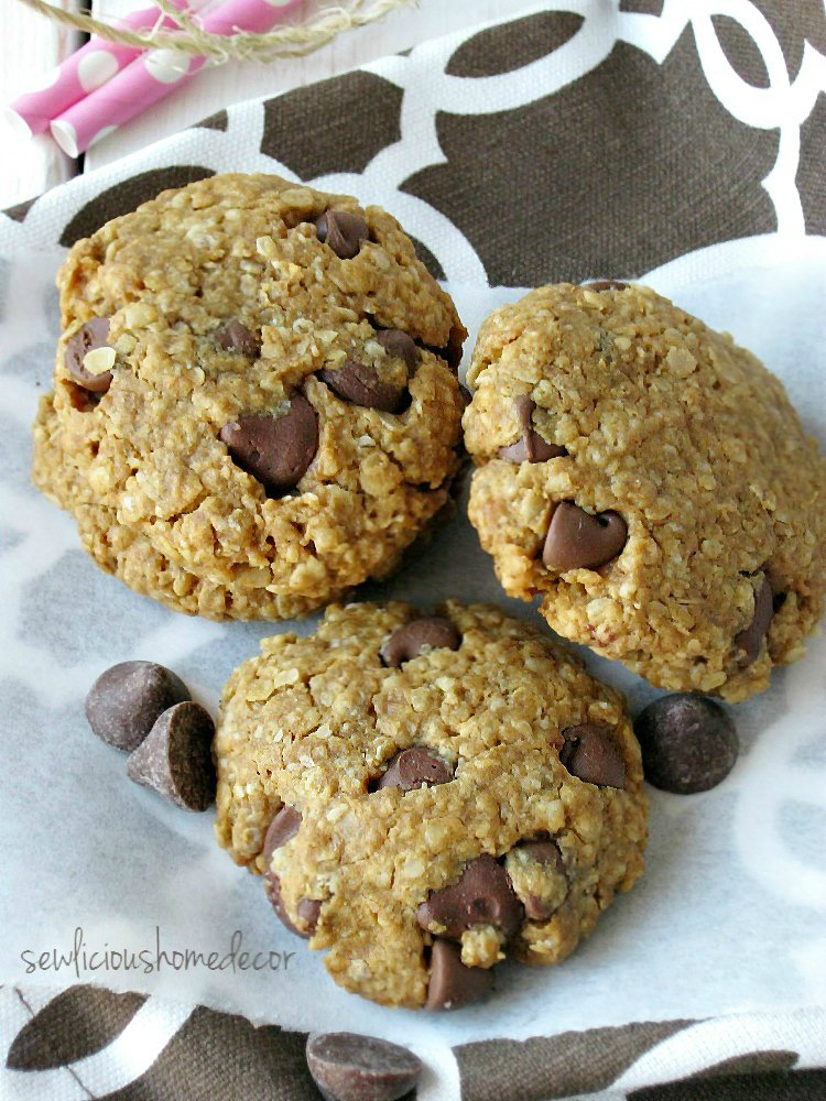 Cherry Chocolate Chips Oatmeal Cookies sewlicioushomedecor.com.jpg