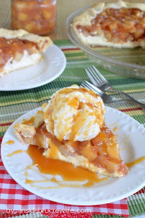 Cheesecake-Apple-Pie-2