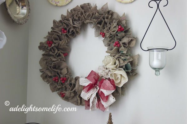 french farmhouse kitchen closeup burlap christmas wreath - Burlap Christmas Decorations