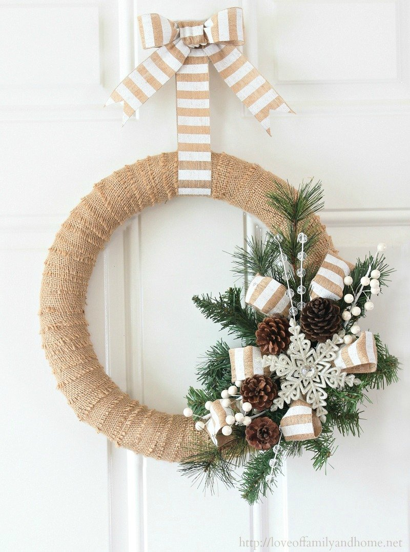burlap christmas wreath 2 - Burlap Christmas Decorations