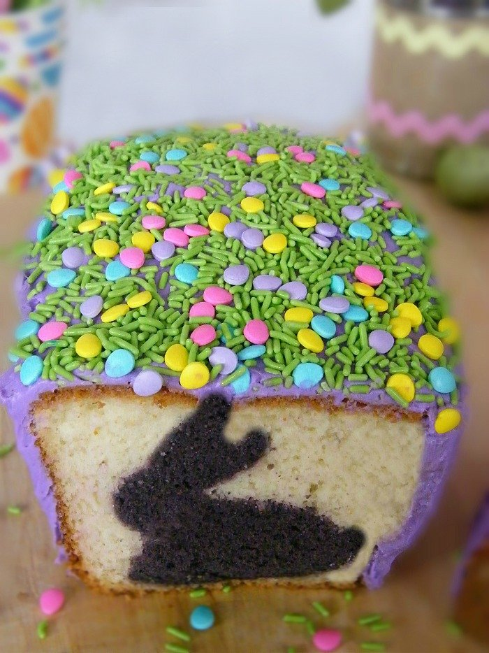 Easter Bunny Holiday Cake sewlicioushomedecor.com