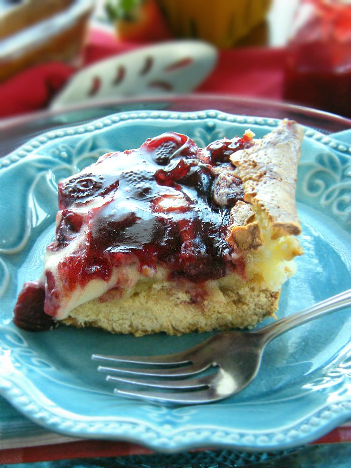 Strawberry Shortcake Bars sewlicioushomedecor.com