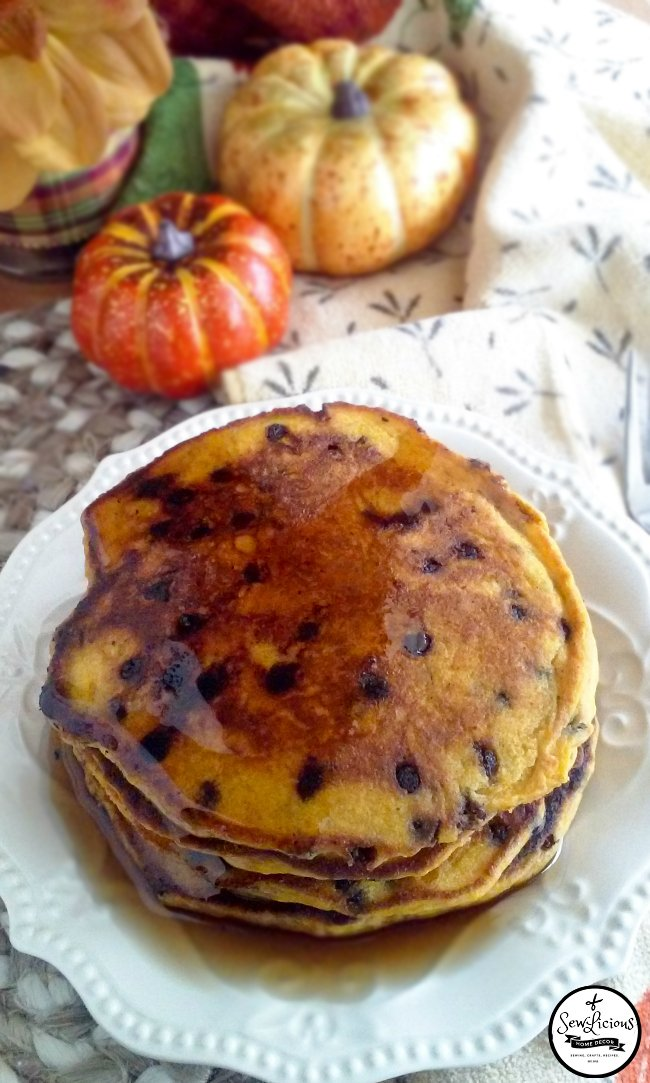 fall-pumpkin-pie-chocolate-chip-pancakes-sewlicioushomedecor-com