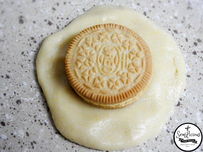 lemon-cookie-dough-wrapped-around-lemon-oreo-cookie-sewlicioushomedecor-com