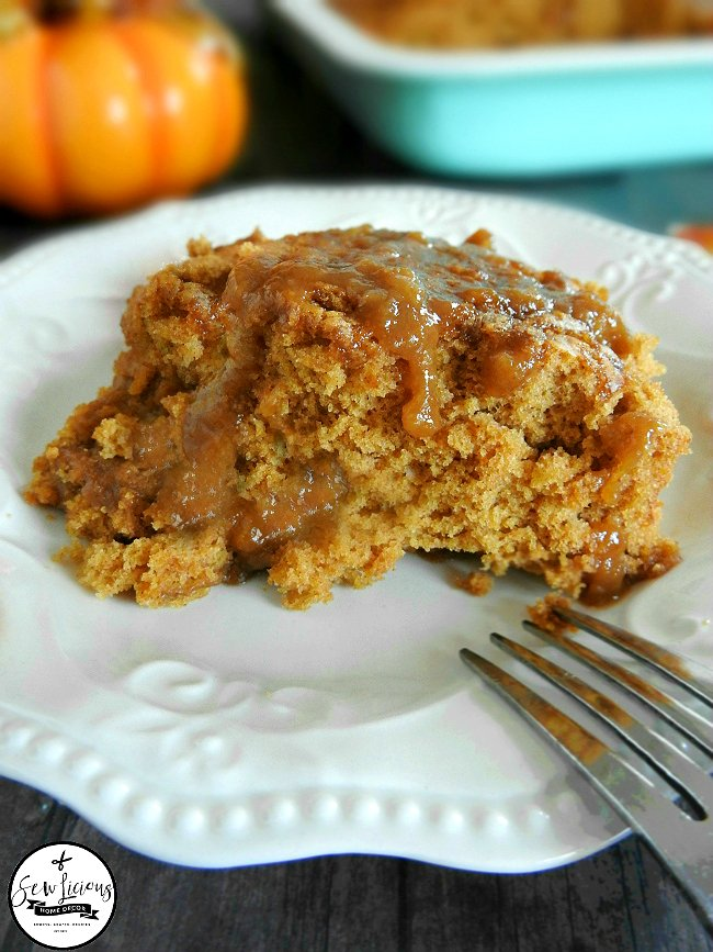 spiced-pumpkin-pie-cobbler-with-a-pumpkin-brown-sugar-sauce-sewlicioushomedecor-com