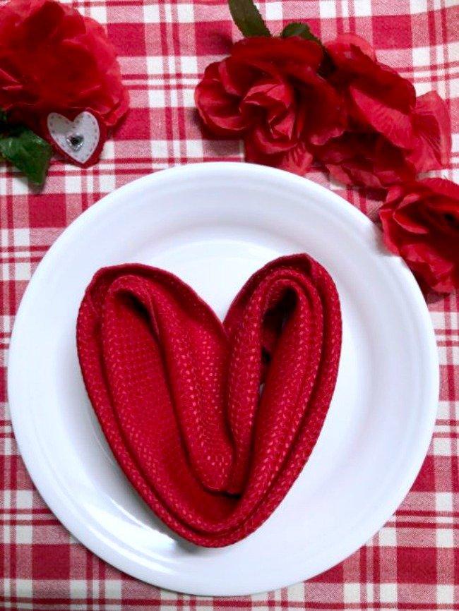 Valentine Heart Napkin Tutorial