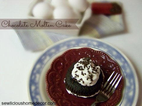 chilis_knock_off_chocolate_molton_cake3.JPG