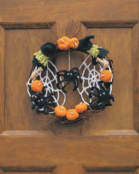 Halloween-Crochet-Wreath