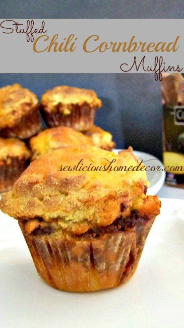 Stuffed Chili Cornbread Muffins