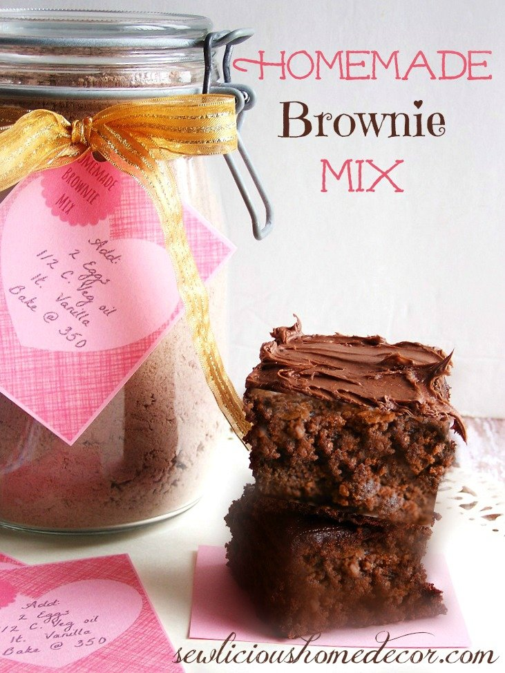 https://sewlicioushomedecor.com/wp-content/uploads/2014/01/Best-Homemade-Brownie-Mix-Brownies-with-Labels.jpg