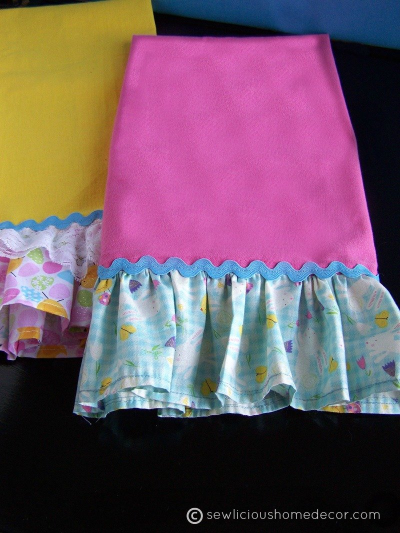 Ruffled Towel Tutorial at sewlicioushomedecor.com