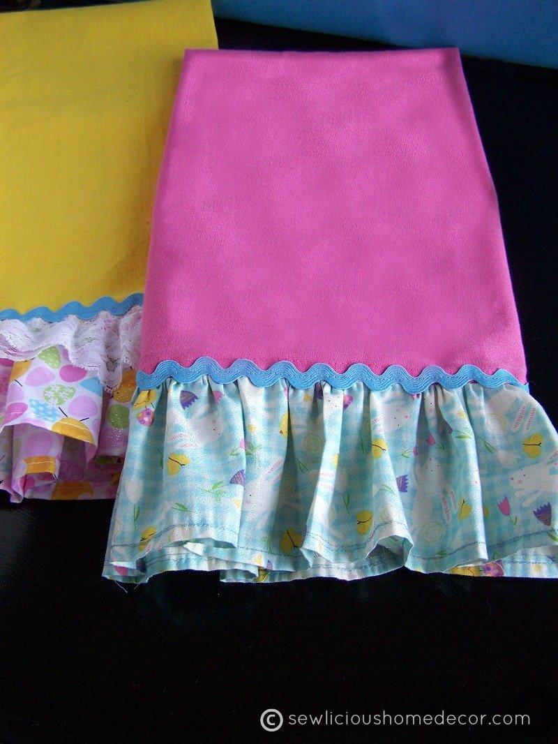 Ruffled Towel Tutorial at sewlicioushomedecor.com