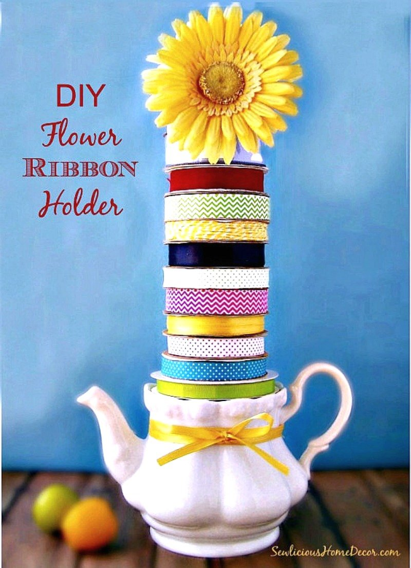 DIY #Flower and #Ribbon Holder at sewlicioushomedecor.com