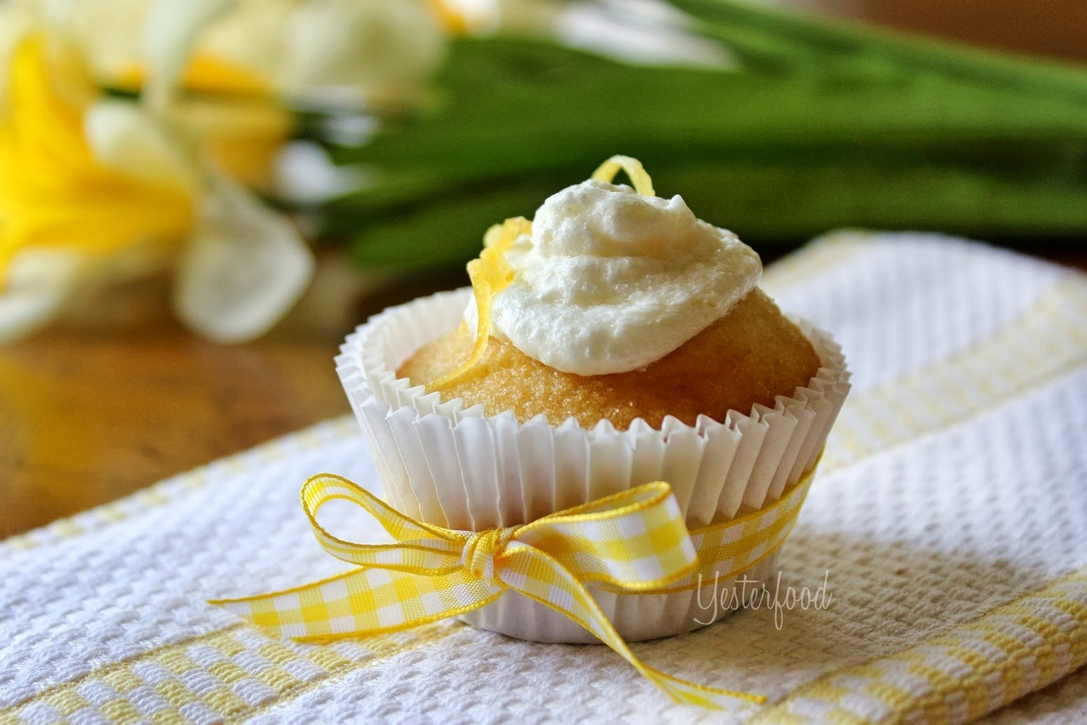 Lemon Cupcakes by Yesterfood
