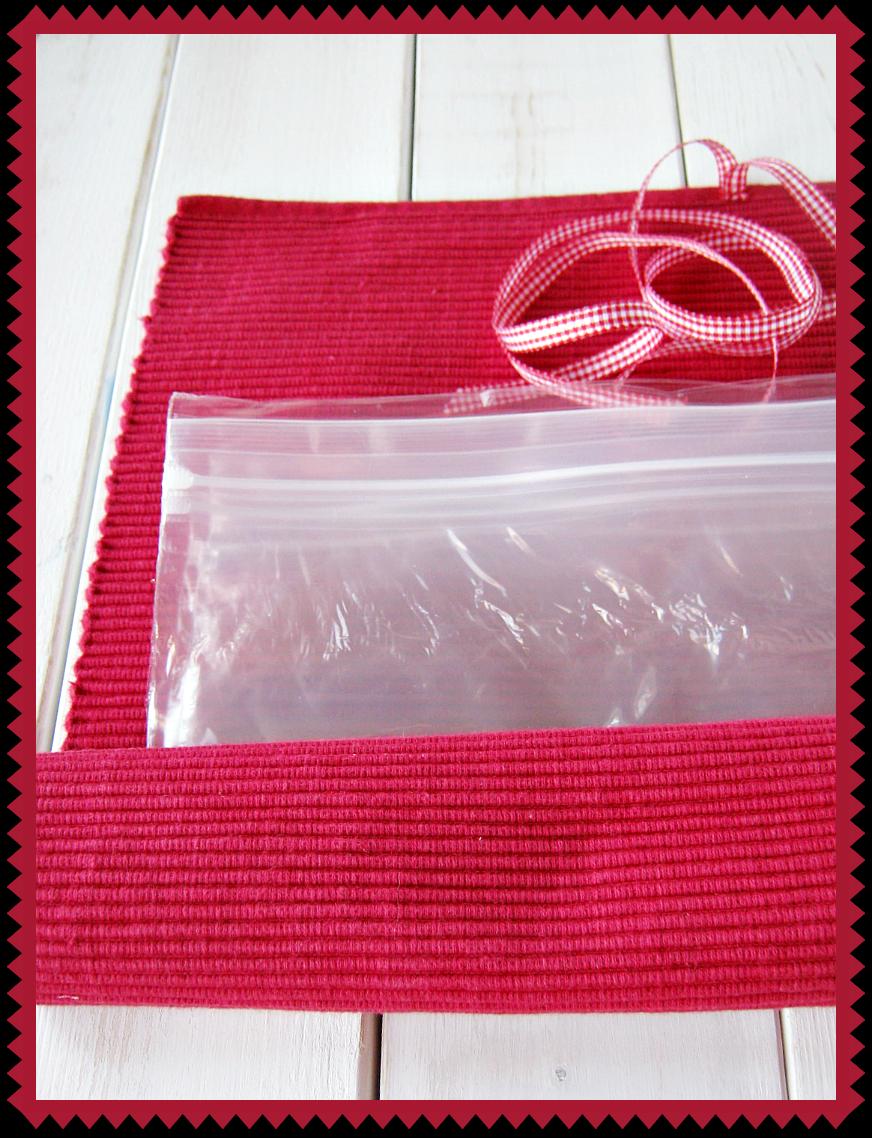 Plastic Baggie Rollup Organizer sewlicioushomedecor.com