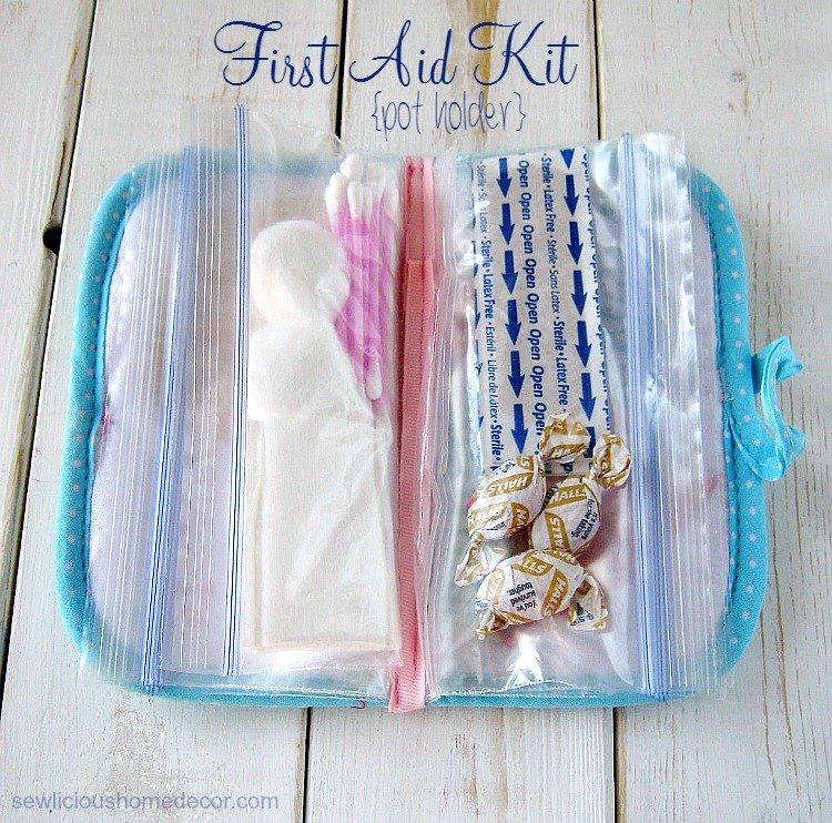 First Aid Kit Reuse a pot holder sewing tutorial sewlicioushomedecor.com