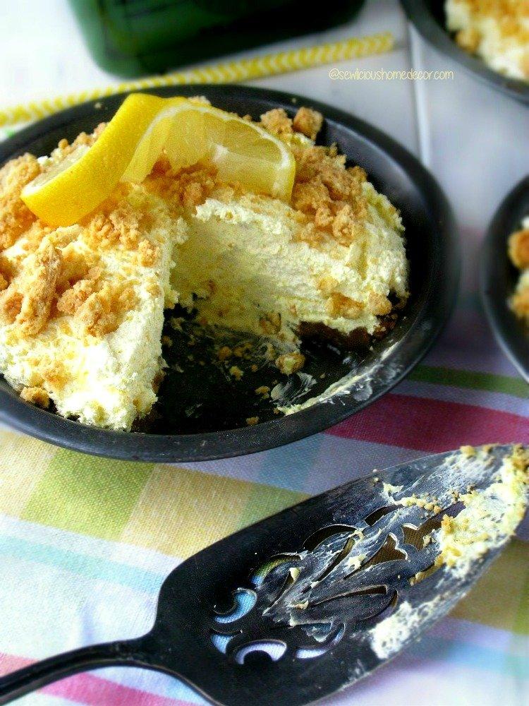 No bake Lemon Meringue Pie sewlicioushomedecor.com.jpg