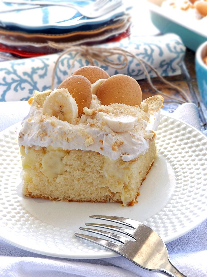 Banana Pudding Poke Cake at sewlicioushomedecor.com