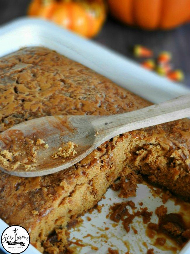 pumpkin-pie-cobbler-soaked-in-a-brown-sugar-pumpkin-pie-sauce-sewlicioushomedecor-com