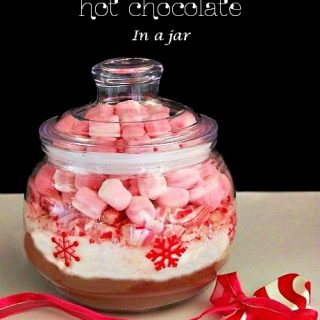 Peppermint Hot Chocolate In A Jar ~ Christmas Gifts Under $5